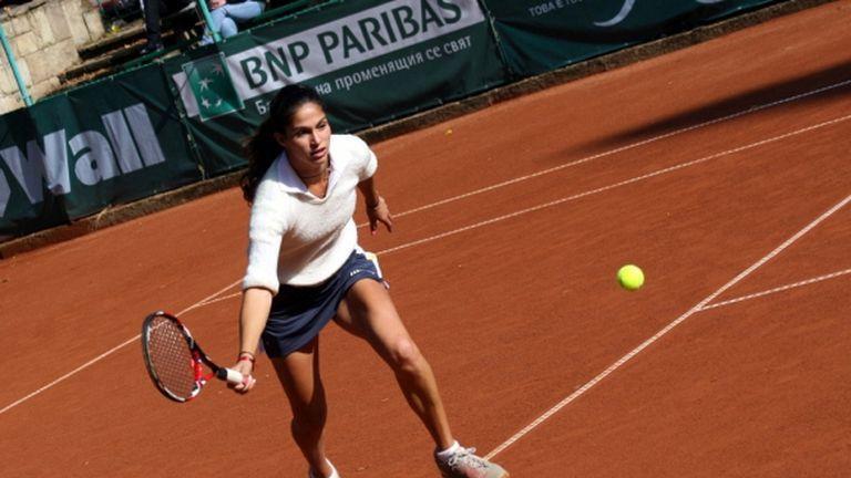 Шиникова отпадна в първия кръг на двойки на турнира в Клуж-Напока