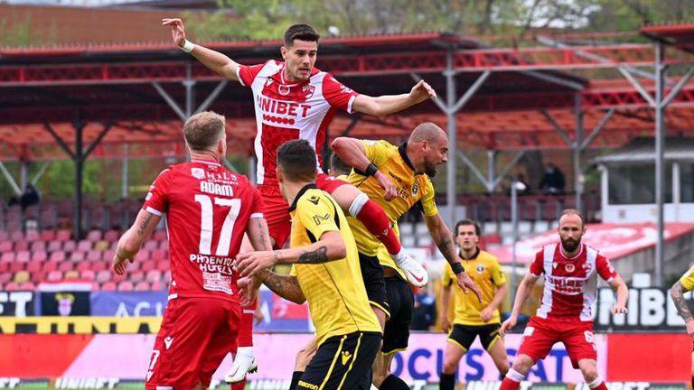 Динамо (Б) взе глътка въздух с победа срещу Антони Иванов и Волунтари (видео)