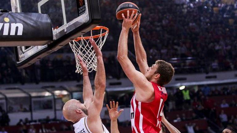 Силен мач на Везенков при победа на Олимпиакос в гръцкото дерби