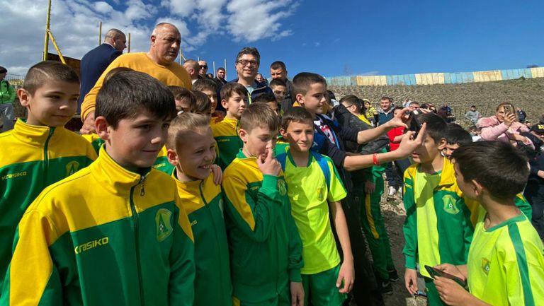 Борисов: Обещал съм козирка и ще помогнем на Левски