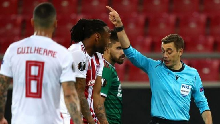 Директен червен картон за Семедо за фаул срещу Диего Жота
