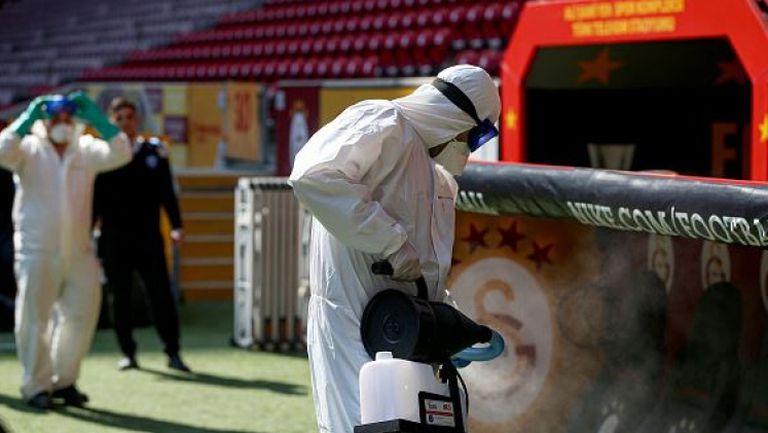 Пълна дезинфекция на стадиона на Галатасарай