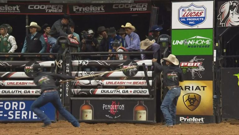 35 000 долара за бразилец от състезание по обяздване на бикове