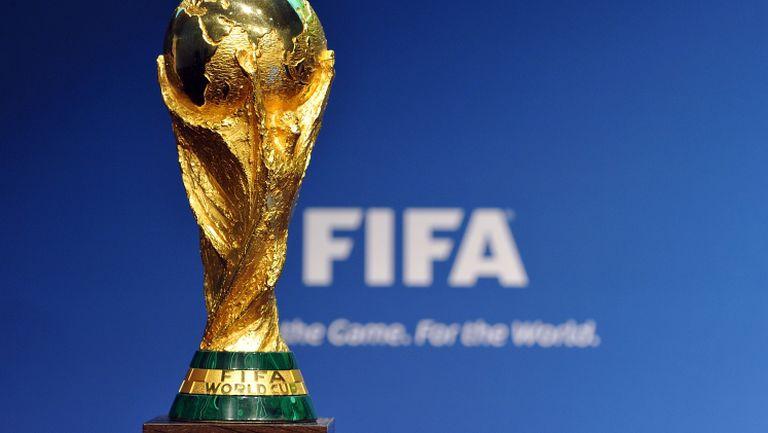 На този ден - ФИФА показва нов трофей