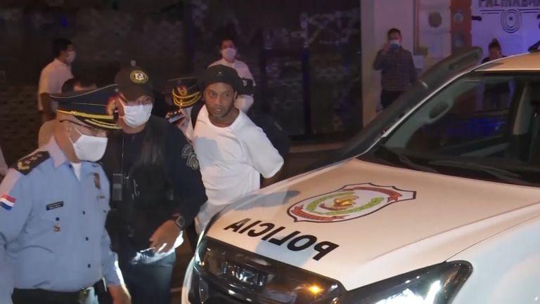 Роналдиньо бе освободен от затвора в Парагвай