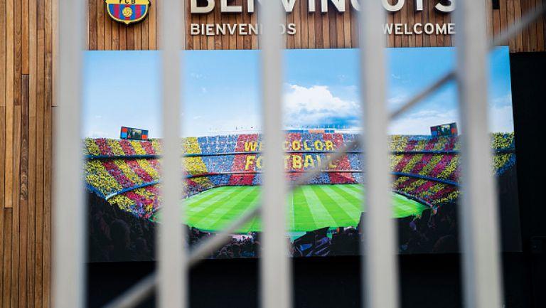 Реал и Барселона отлагат реновацията на стадионите си