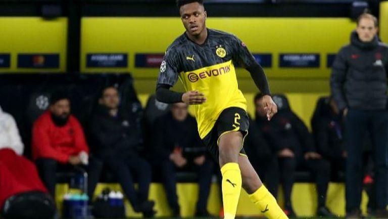 Защитник на Дортмунд с контузия в коляното