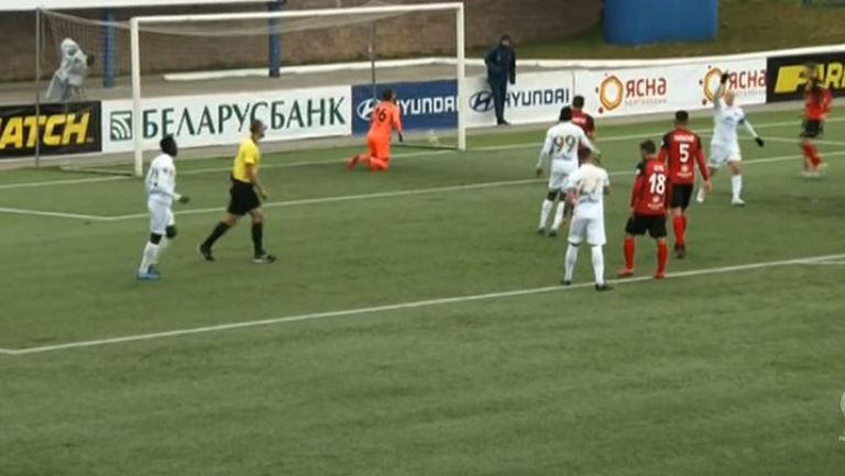 Комаровски се разписа след дузпа за 1-0 срещу Славия Мозир