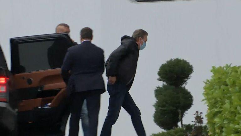 Кирил Домусчиев пристигна със закъснение за заседанието в Бояна