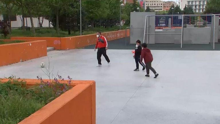 Детски смях по улиците в Испания
