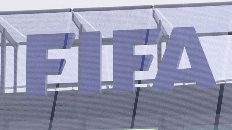 ФИФА променя временно правилото за смени