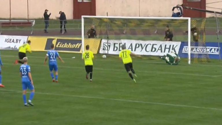 Шахтьор (Солигорск) поведе на Динамо (Брест) с гол от дузпа