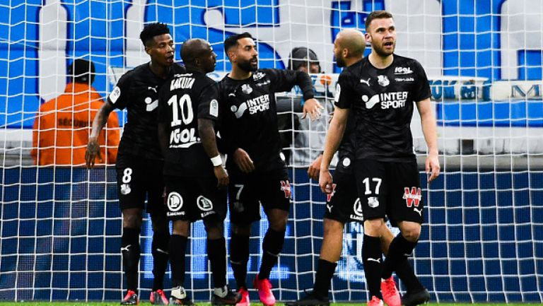 Амиен събра близо 10 хиляди подписа срещу решението тимът да изпадне в Лига 2