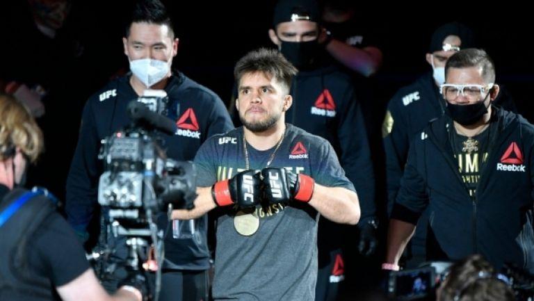 """Сехудо надви Крус в битка на легендите в категория """"петел"""" на UFC 249"""