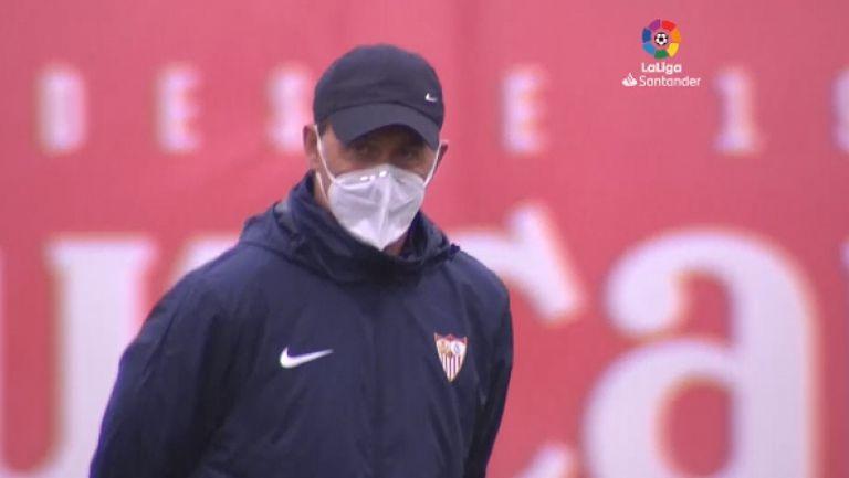 Хулен Лопетеги тренира Севиля с маска