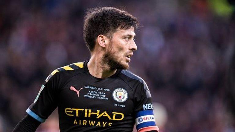 Давид Силва остава в Манчестър Сити до края на сезона