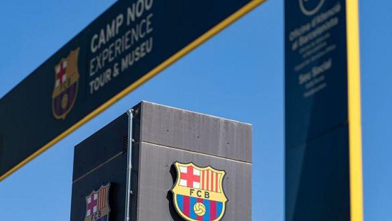 Специален екип дезинфекцира съблекалнята на Барселона