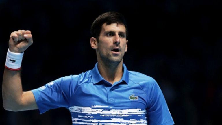 Джокович е добър не само с тенис ракетата