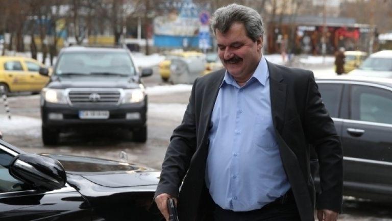 Батков: Божков и Попов да не използват Левски