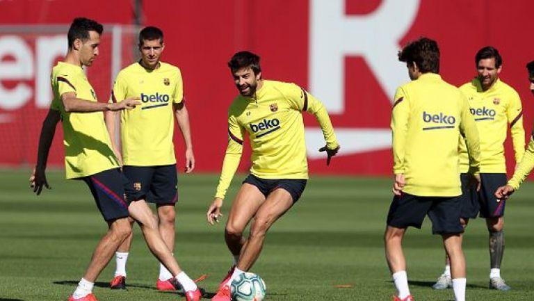 Играчите на Барселона тренират на групи