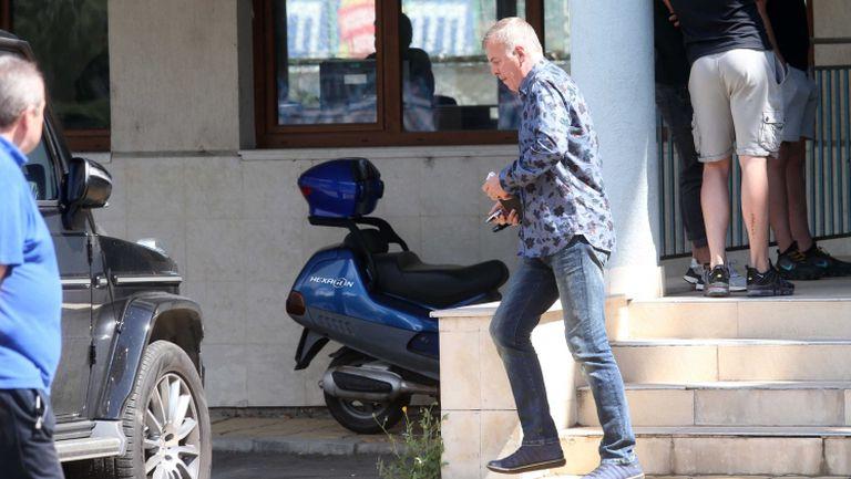 Наско Сираков напусна безмълвен Герена, излезе с обръщение в сайта на Левски