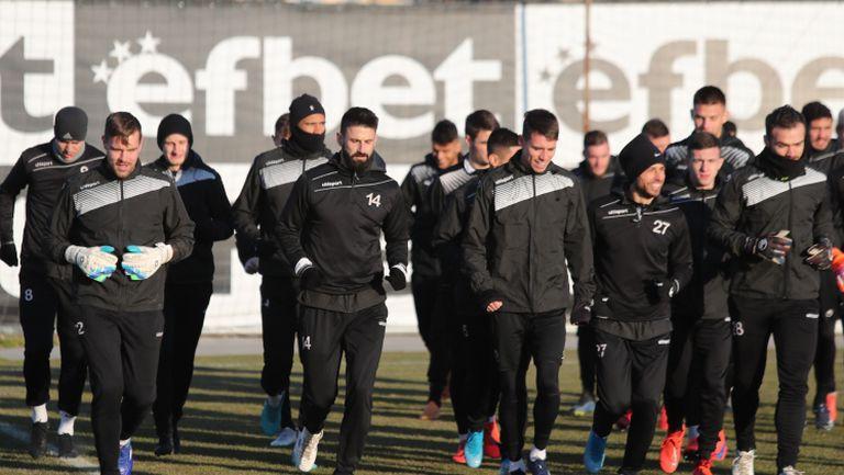 """Акрапович изведе Локо Пд на първа тренировка на """"Лаута"""""""
