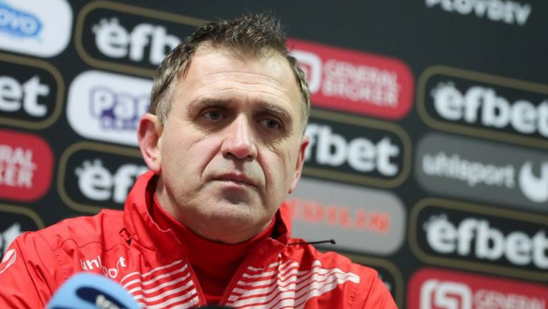 Бруно Акрапович: Има интерес към Ален Ожболт, трудно ще намерим играч като него
