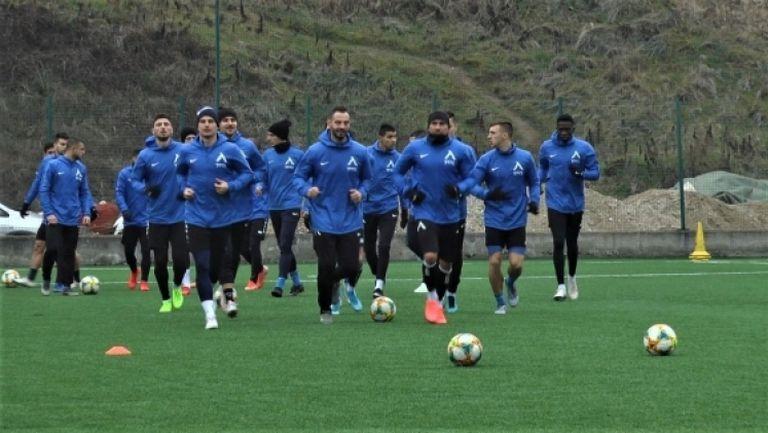 Левски с първа тренировка в Сандански