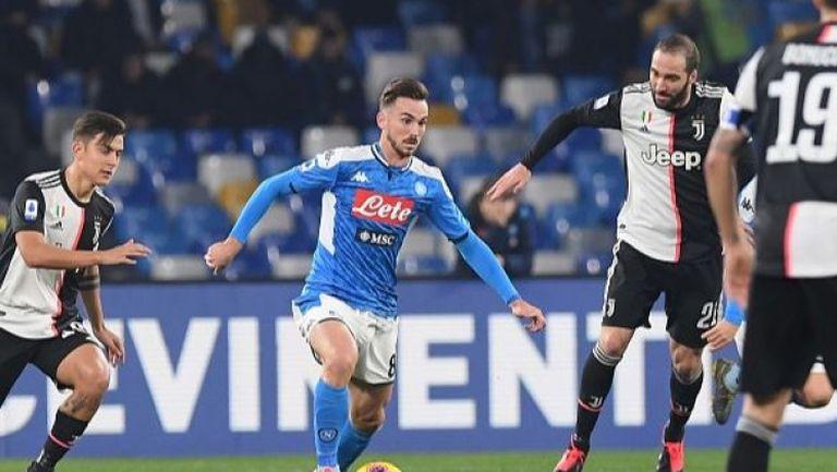 Наполи взе ценна победа в дербито с Ювентус