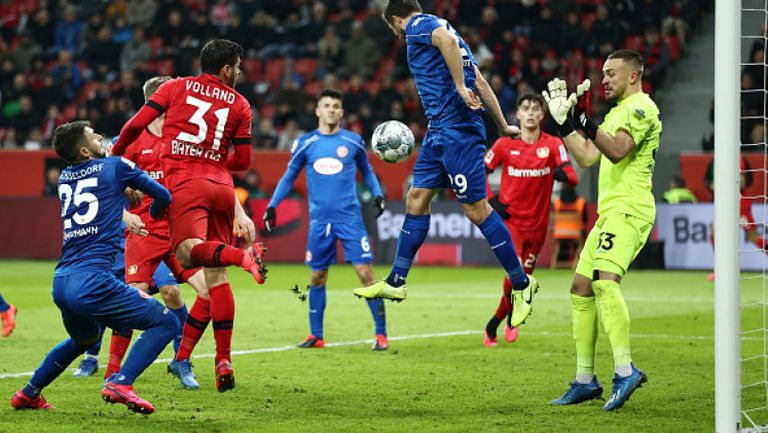 Байер (Леверкузен) се доближи до Шампионската лига