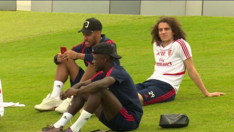 Играчите на Арсенал се наслаждават на престоя си в Дубай