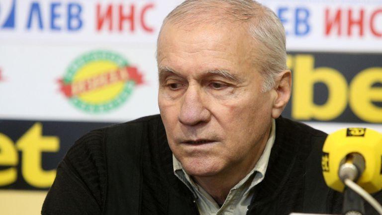Легендарният Стефан Аладжов: Левски трябва да победи ЦСКА