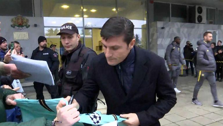 Санети и Диего Годин раздадоха автографи на българските фенове във Варна
