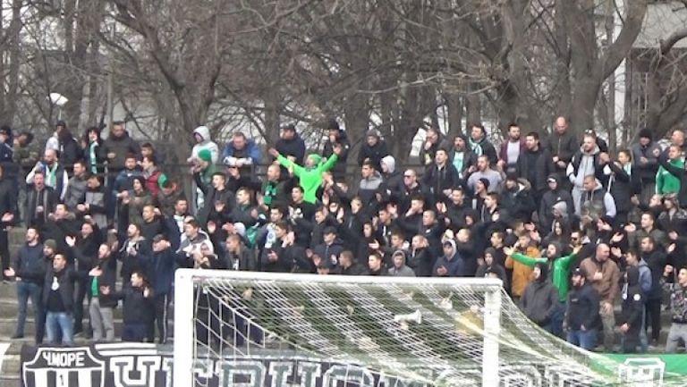 """""""Моряците"""" дерат гърла срещу Левски"""