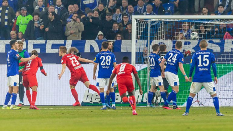 Разгромна победа за РБ Лайпциг, Холанд отново бележи при успех на Дортмунд