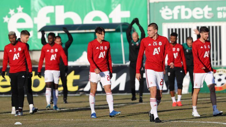 Футболистите на ЦСКА-София ще се опитат да изпреварят Левски и Локо (Пловдив)