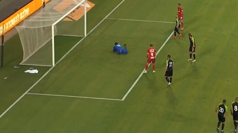 Красив гол на Атуел и 4:0 за Апоел