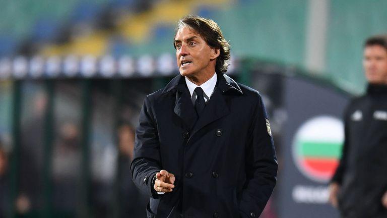Манчини освободи двама играчи на ПСЖ от националния на Италия