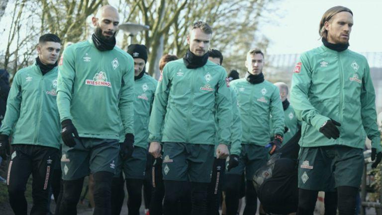 Поне 13 играчи ще си тръгнат от Вердер при изпадане, бъдещето на българите е неясно
