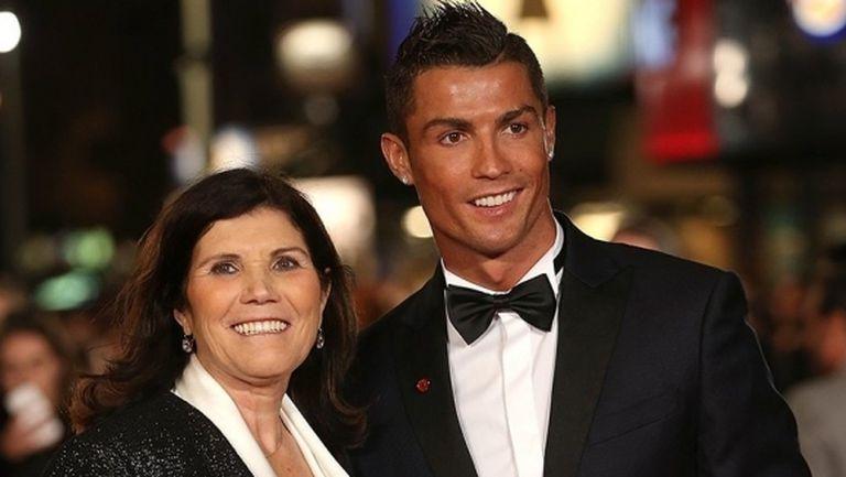 Кристиано пристигна в Мадейра, за да види майка си