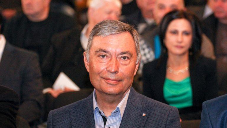 България иска екстрадиция и на собственика на Левски, обяви правосъдният министър