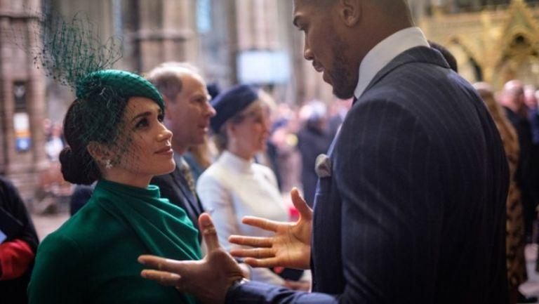 Антъни Джошуа изнесе реч пред кралица Елизабет II