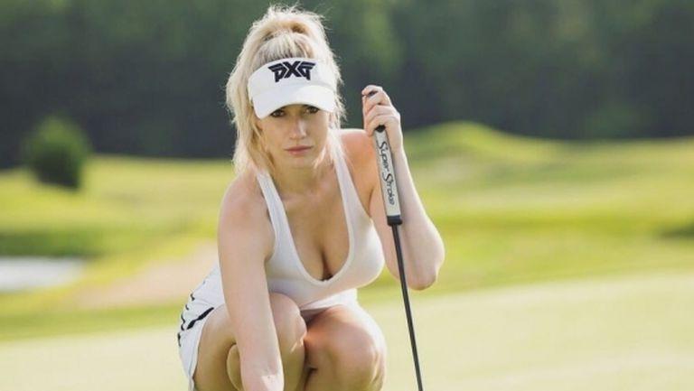 Отрязаха голфърка за благотворителен турнир, защото е прекалено секси (снимки)