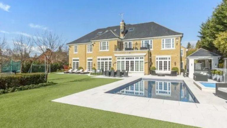 Джон Тери продава имение за 5.5 млн. заради депресията на жена си