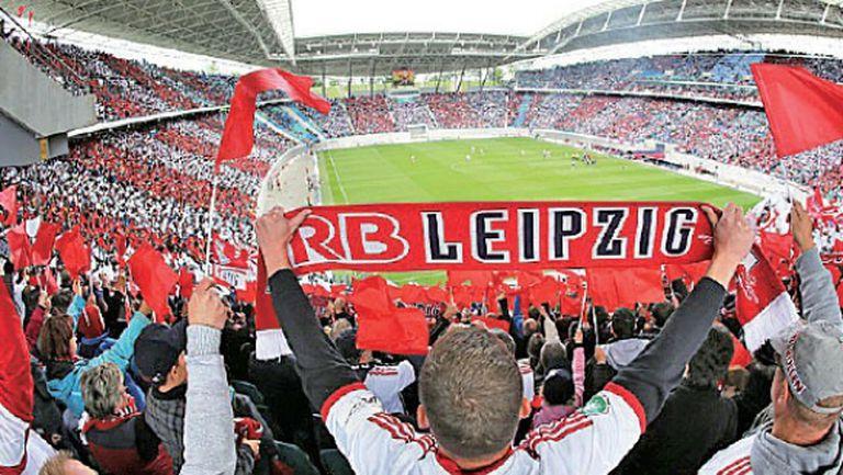 Всички мачове в Бундеслигата ще се играят без публика
