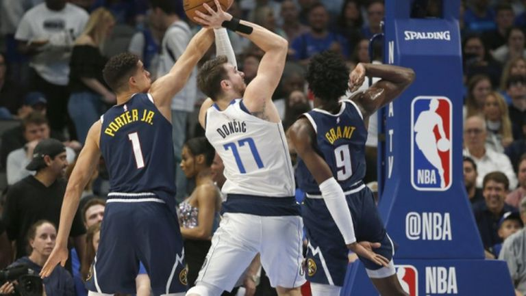 Далас удари Денвър в последния мач от НБА преди забраната