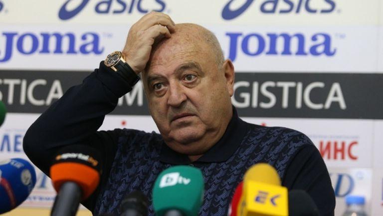 Венци Стефанов за президента на БФС: Скандално! Смени съдията и си призна