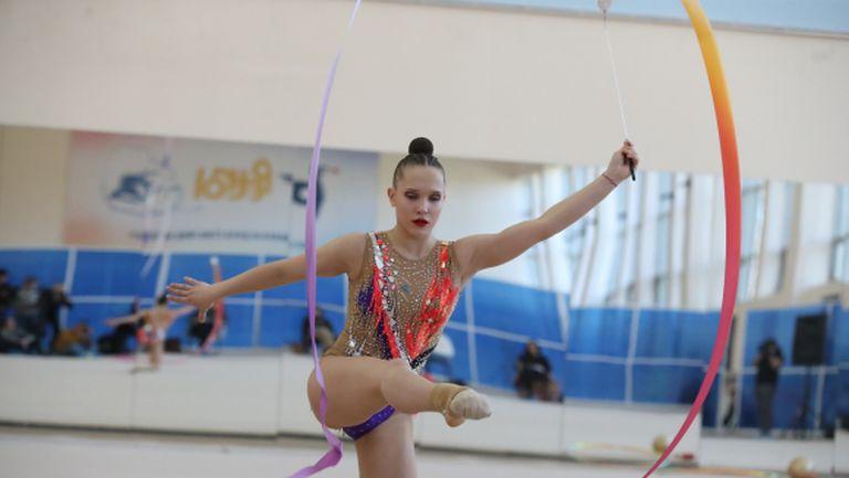 Воложанина спечели поредното контролно на гимнастичките