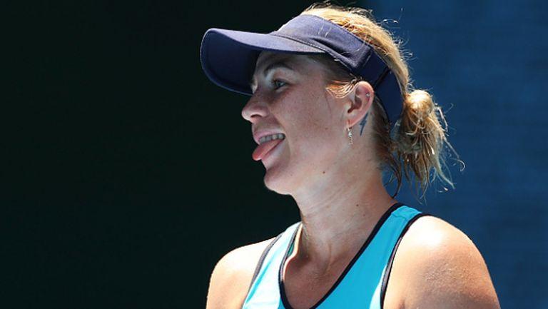 Руска тенисистка смени спортния екип с къса рокля (снимка)
