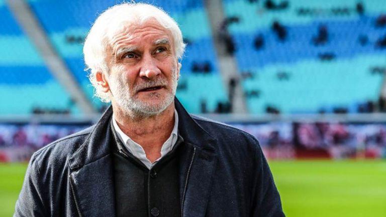 Световен шампион призова УЕФА да сложи първенствата на първо място